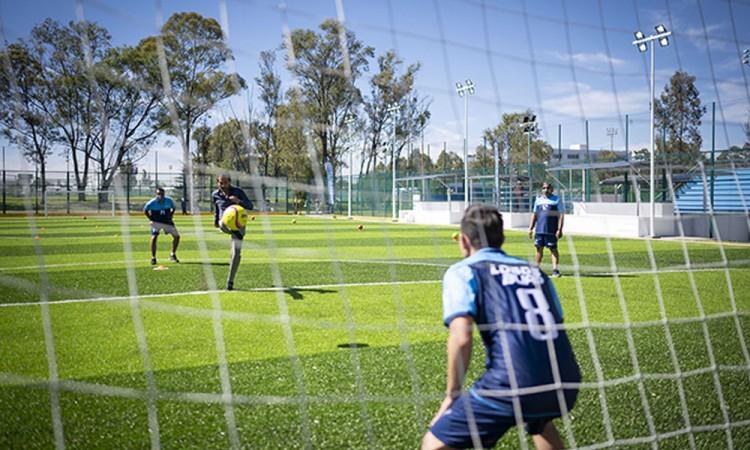 Inauguran cancha de fútbol 7 en la BUAP
