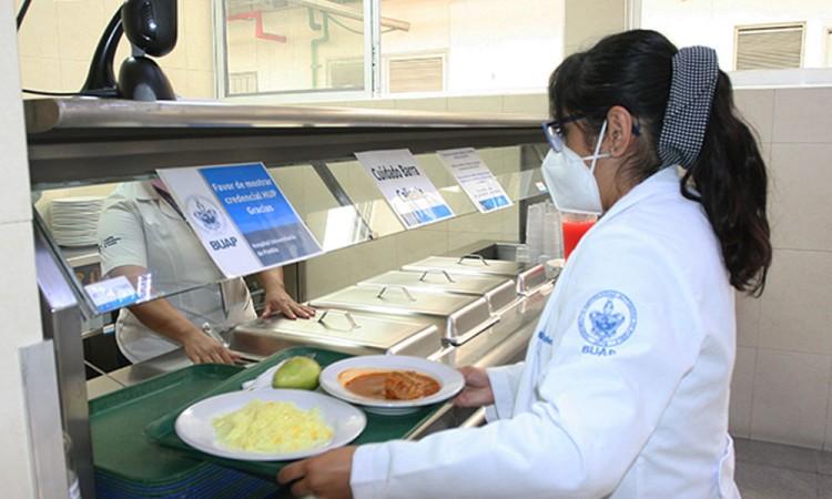 Reciben distintivo áreas de Cocina y Nutrición Clínica del Hospital Universitario
