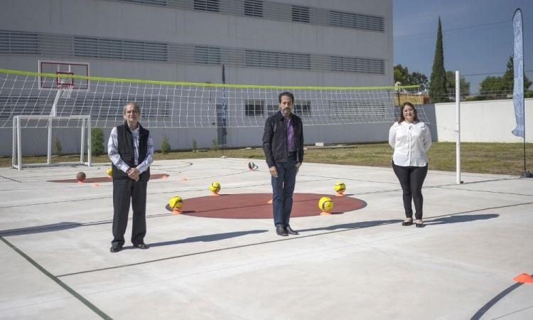 Los estudiantes debían contar con un espacio para actividades deportivas.