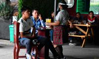 Cerrarán restaurantes-bar que no entiendan, sentencia Barbosa
