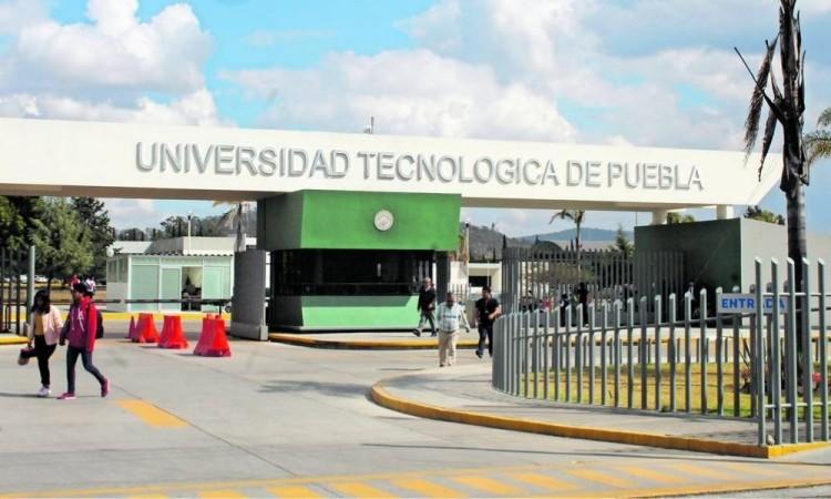 Egresan mil 304 ingenieros de la Universidad Tecnológica de Puebla