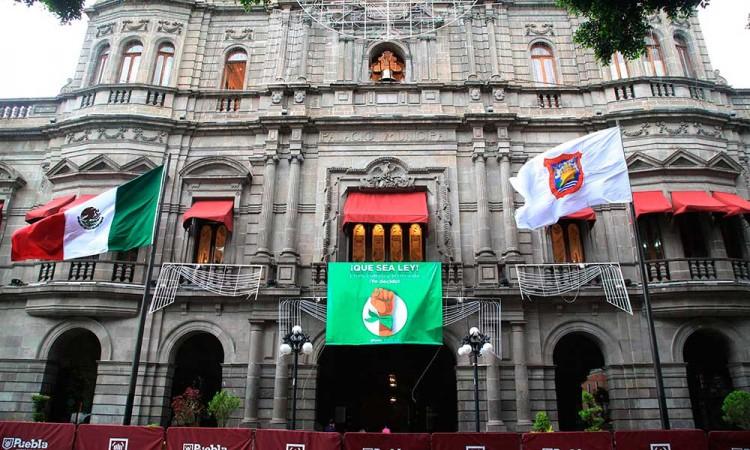 Ahora toca despenalizar el aborto, urge Claudia Rivera al Congreso