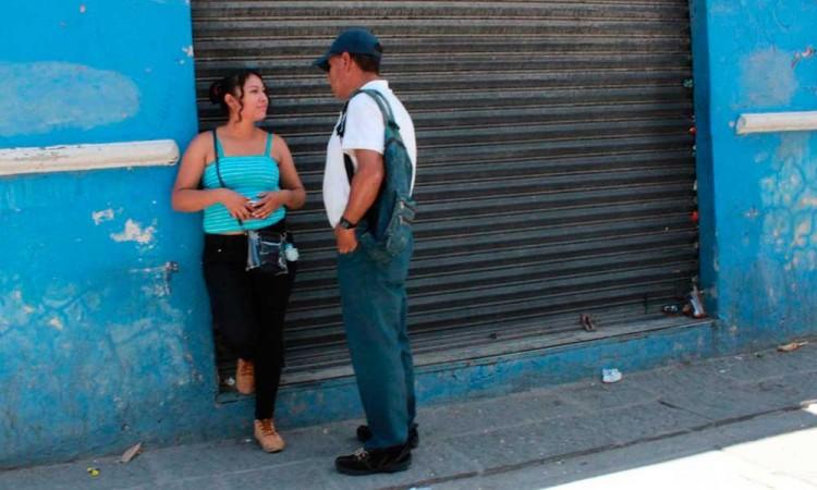 Ambulantes cobran 100 pesos al día a prostitutas del Centro Histórico como derecho de piso