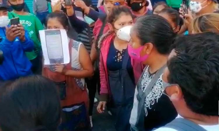 Ambulantes se disputan control de las calles del Centro Histórico