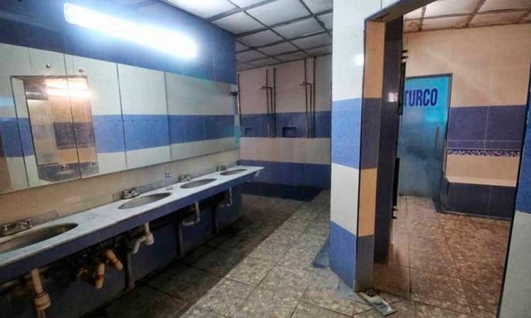 Casos de infartos evidencia operación de baños clandestinos en Puebla