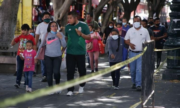 Otra vez suben casos y muertes de Covid-19 en Puebla