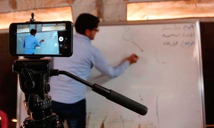 600 profesores no han cobrado durante la pandemia en Puebla