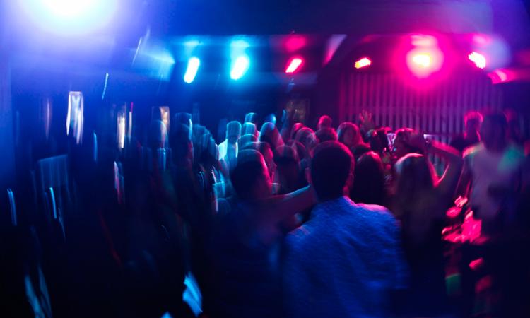 Este fin de semana PC suspendió 5 bailes públicos y clausuran un bar