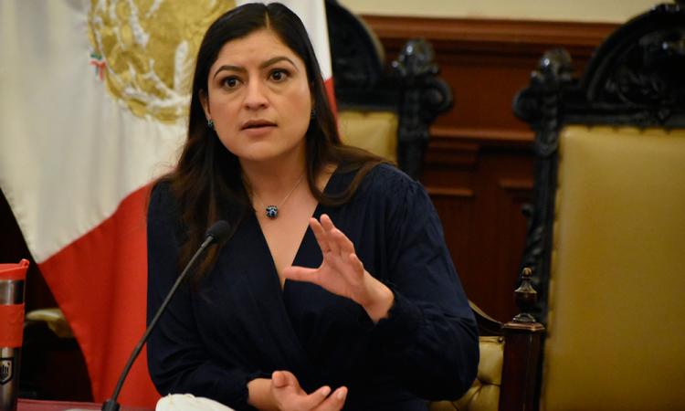 No me mantendré al margen de la despenalización del aborto, advierte Claudia Rivera