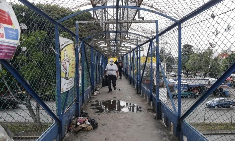 Progresa el retiro de puentes peatonales en Puebla capital