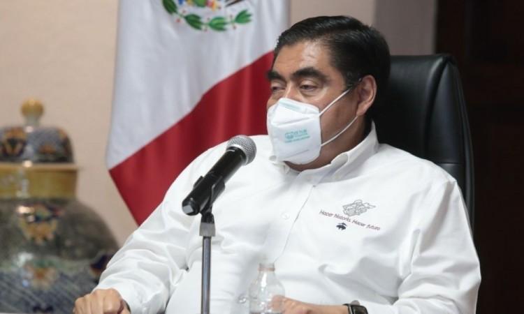 Asegura Barbosa que hay convenio para que autos poblanos puedan circular en CDMX