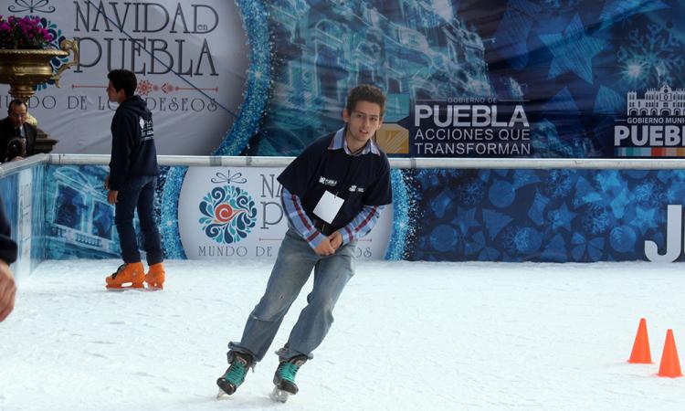 Descartan instalación de tobogán y pista de hielo en el zócalo para actividades decembrinas