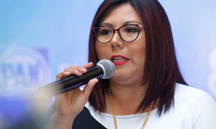 Genoveva Huerta dice que se debe empodera mujeres para eliminar violencia de género