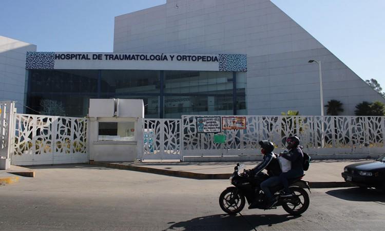 Analiza gobierno volver a reconvertir hospitales por Covid-19 ante aumento de casos