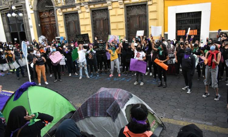 Critican marcha feminista y a la Red Plural de Mujeres