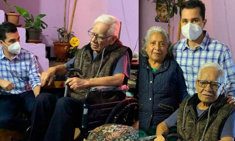 Chelo García apoya a abuelo con cáncer en mejorar sus condiciones