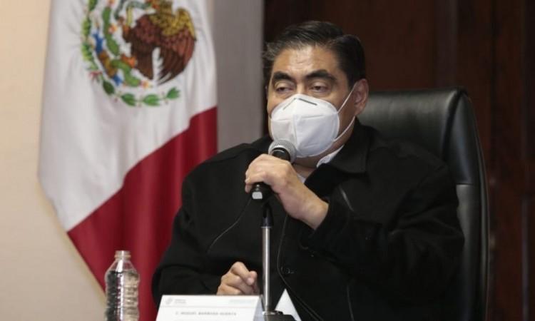 "Puebla regresa a semáforo naranja Covid-19 por ambulantaje ""desbordado"""