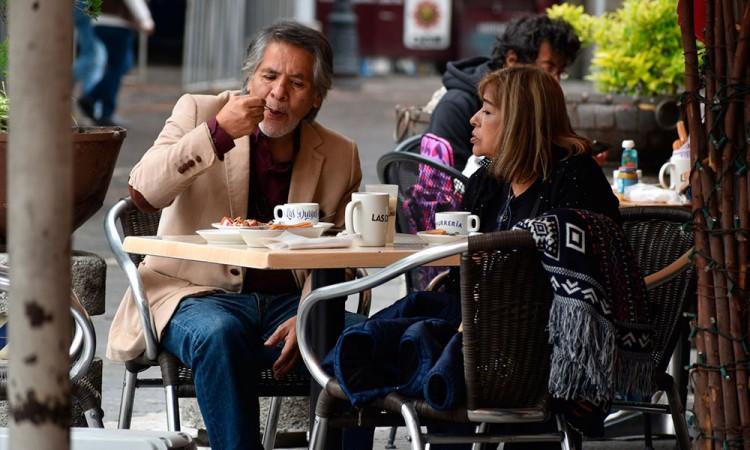 Ante rebrote de Covid-19, reducen horarios de Centros Comerciales y restaurantes en Puebla