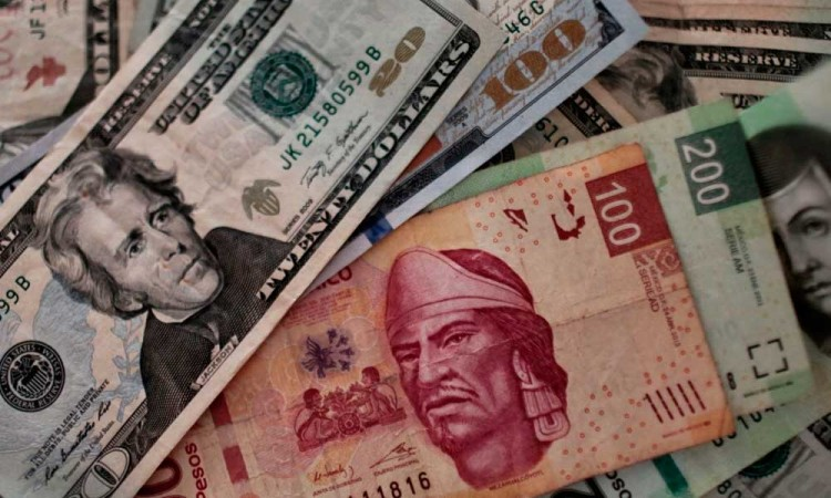 Peso mexicano cierra a 19.8 el dólar, ante anuncio de vacuna
