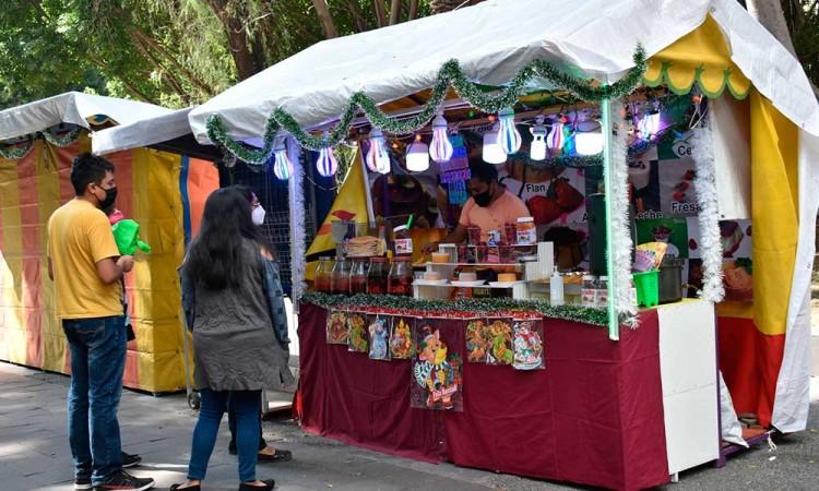 Colocan 3 mercados temporales en Puebla para reubicar 180 ambulantes