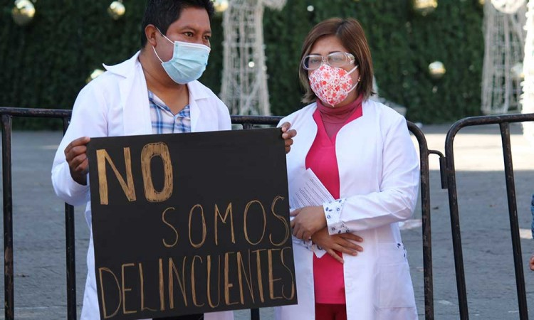 Barbosa responde a protesta de médicos: se investigará toda negligencia