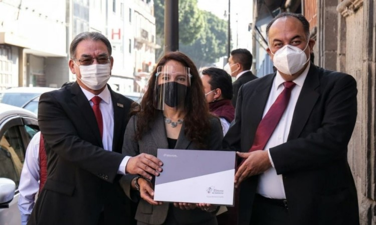 Recibe Congreso 2do informe de gobierno de Miguel Barbosa