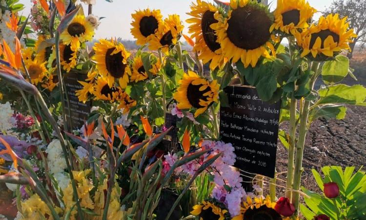 Con flores recuerdan a los Moreno Valle, a dos años de su muerte