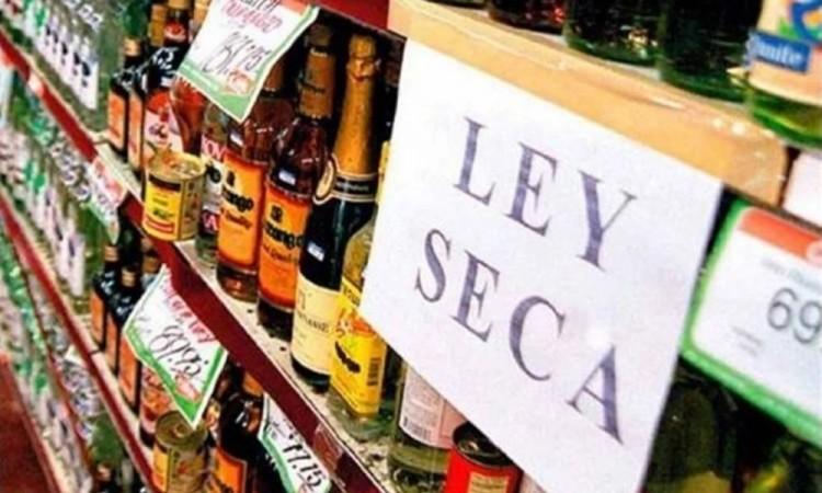 Piden Coparmex y Canaco a Barbosa reconsiderar la prohibición de venta alcohol