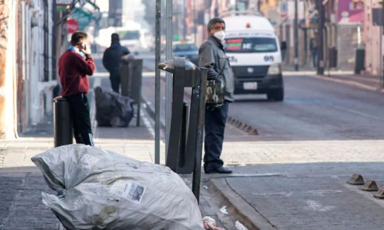 Amanecen sucias calles de la ciudad pese a anuncio de suspensión de recolección de basura