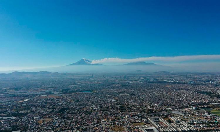 Afecta caída de ceniza volcánica zona norte de la capital