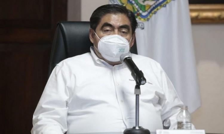 Barbosa celebra que Puebla está próxima a recibir vacunación