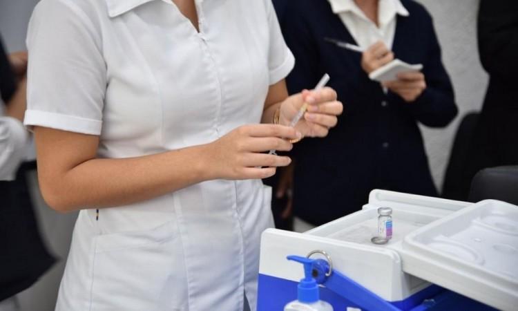 Alistan preparativos para recibir vacuna en Puebla