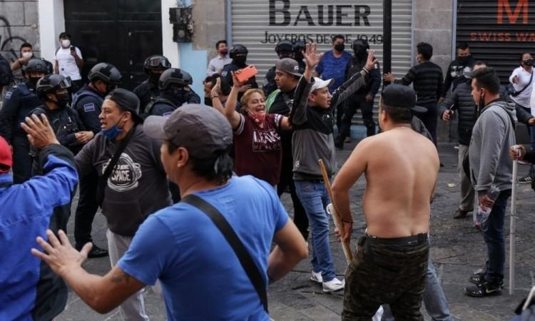 Denunciarán a líder antorchista de ambulantes por hostigamiento y asociación delictuosa