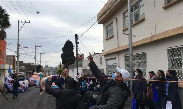 """""""A huevazos"""" exigen panistas a Genoveva Huerta no imponer a Fraile"""
