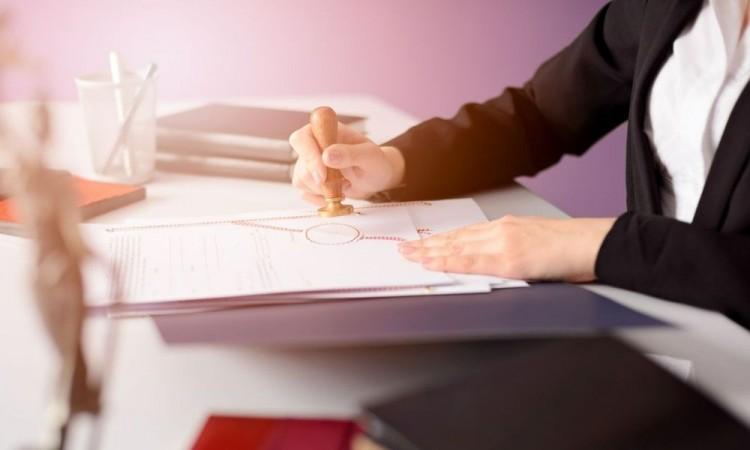 Establecerá como obligación del notario elaborar un instrumento de comprobación.