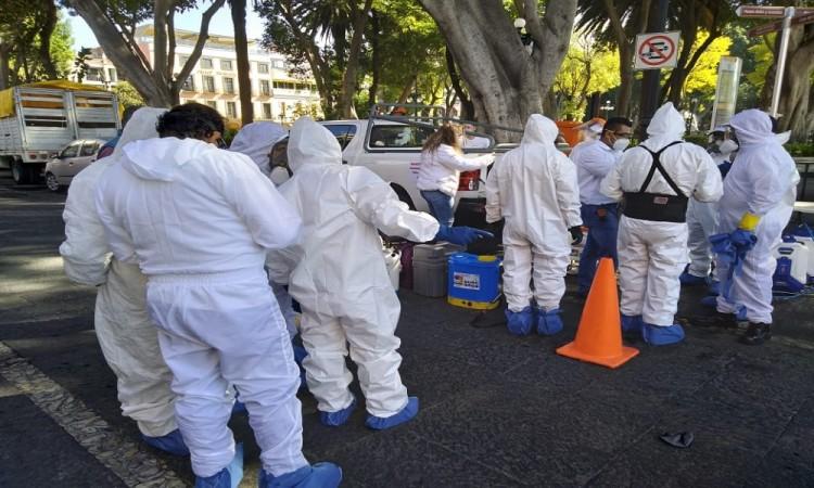 ¡Adiós covid! Realizan jornada de desinfección en el centro para combatir contagios