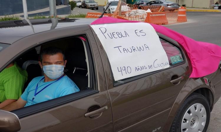 Protestan integrantes de Puebla es Taurina contra prohibición de corridas de toros en la capital
