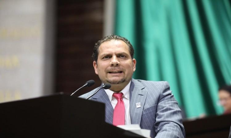 Carvajal anticipa que buscará la candidatura a la alcaldía