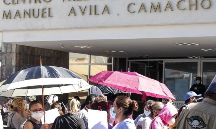 """En """"Alerta máxima"""" hospitales están colapsados en Puebla"""