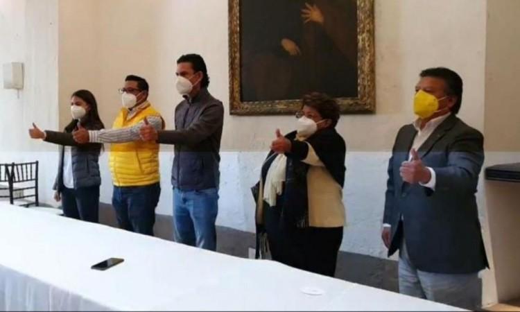 Antorchistas y maestros entre los candidatos del PRD a diputados federales