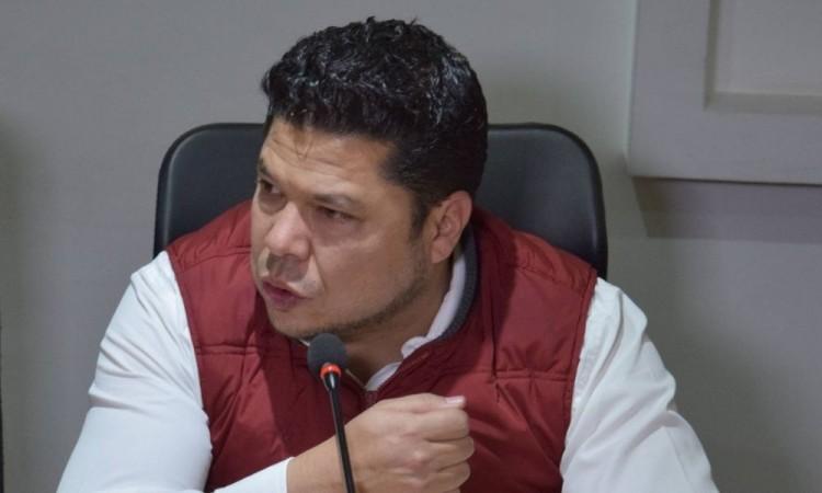 Con sólo 9 iniciativas aprobadas, Biestro quiere ser candidato a la alcaldía de Puebla