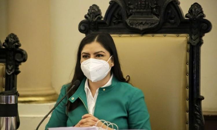 Descarta Claudia Rivera prueba de Covid-19 al no registrar síntomas tras contagios de dos de sus colaboradoras