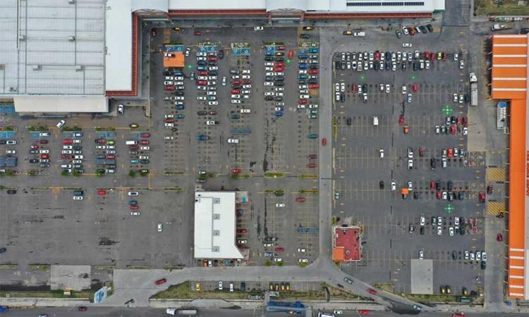 Plantean diputados que Centros Comerciales otorguen gratis una hora el estacionamiento