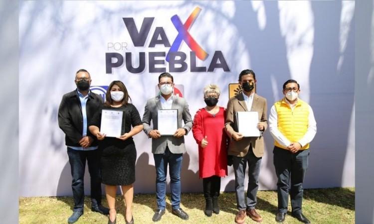 """Firman alianza """"Va Por Puebla""""; PAN, PRI y PRD siempre sí van juntos"""
