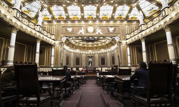 Ya son 11 los diputados que abandonan su curul por elecciones en Puebla