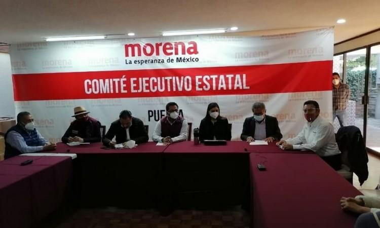 Con ausencia de Biestro y El Chelís, se reúnen precandidatos de Morena a la alcaldía