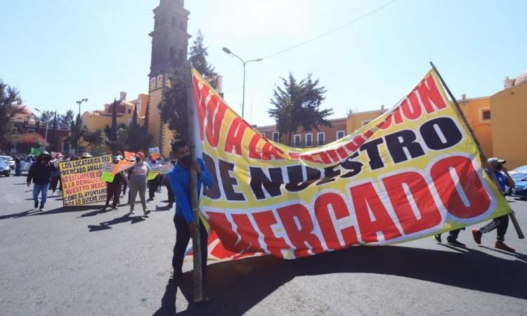 Locatarios de Amalucan tienen consigna para impedir obras: Claudia Rivera