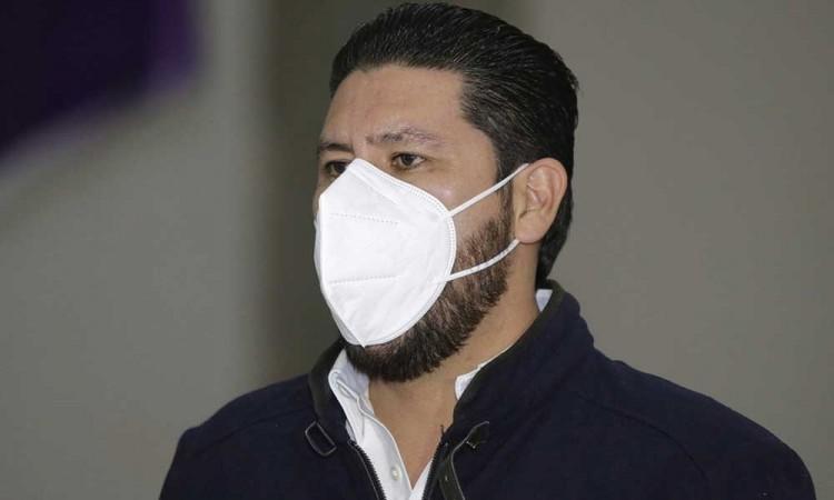 Reportan delicado por covid-19 al presidente del PES en Puebla