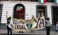 """Mantienen guardadas en """"la congeladora"""" Ley de desaparecidos y despenalización del aborto en Puebla"""