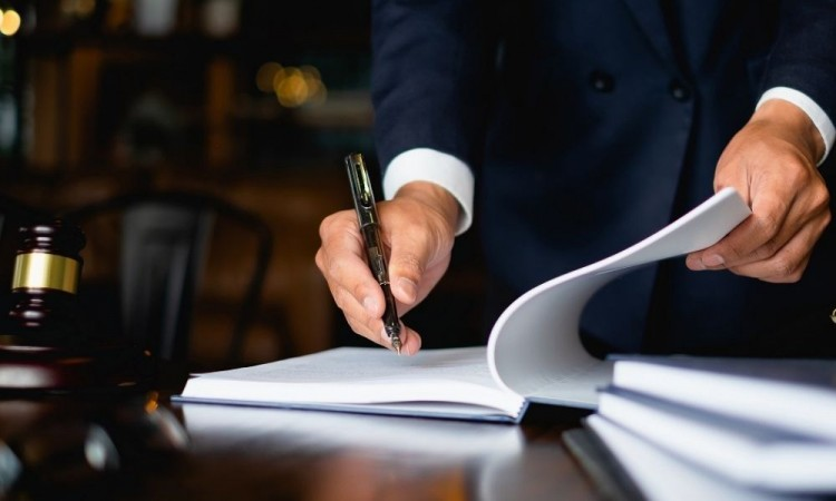 Aprueban Ley de Barbosa para crear más notarías y entregar patente de manera fácil